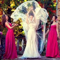 Свидетельница или несколько подружек невесты?