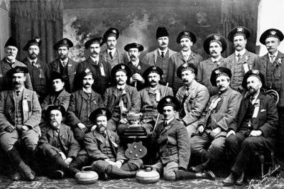 Шотландская команда керлингистов на соревнованиях в Виннипеге, Канада, 1903 год.