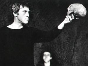 исполнитель роли Гамлета
