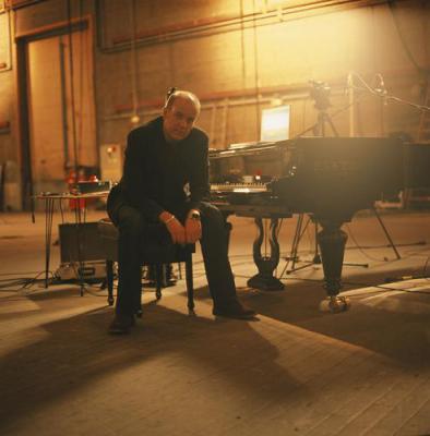 Крэйг Армстронг у рояля
