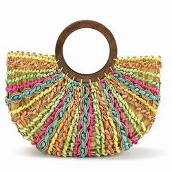 Пляжная сумка из соломки