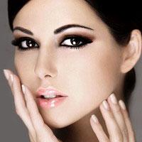 Изначально оговорим то, что в себя будет включать наш вечерний макияж для карих глаз.  Мы будем оформлять все наше...