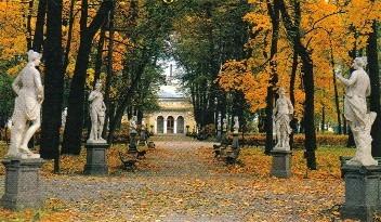 Рядом с детским садом расположены: Летний сад, Михайловский замок, Марсово...