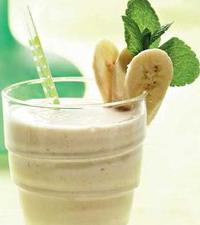 Коктейль молочный с банановым мороженым